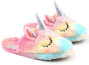 Zapatillas de unicornio en tienda de cosas kawaii